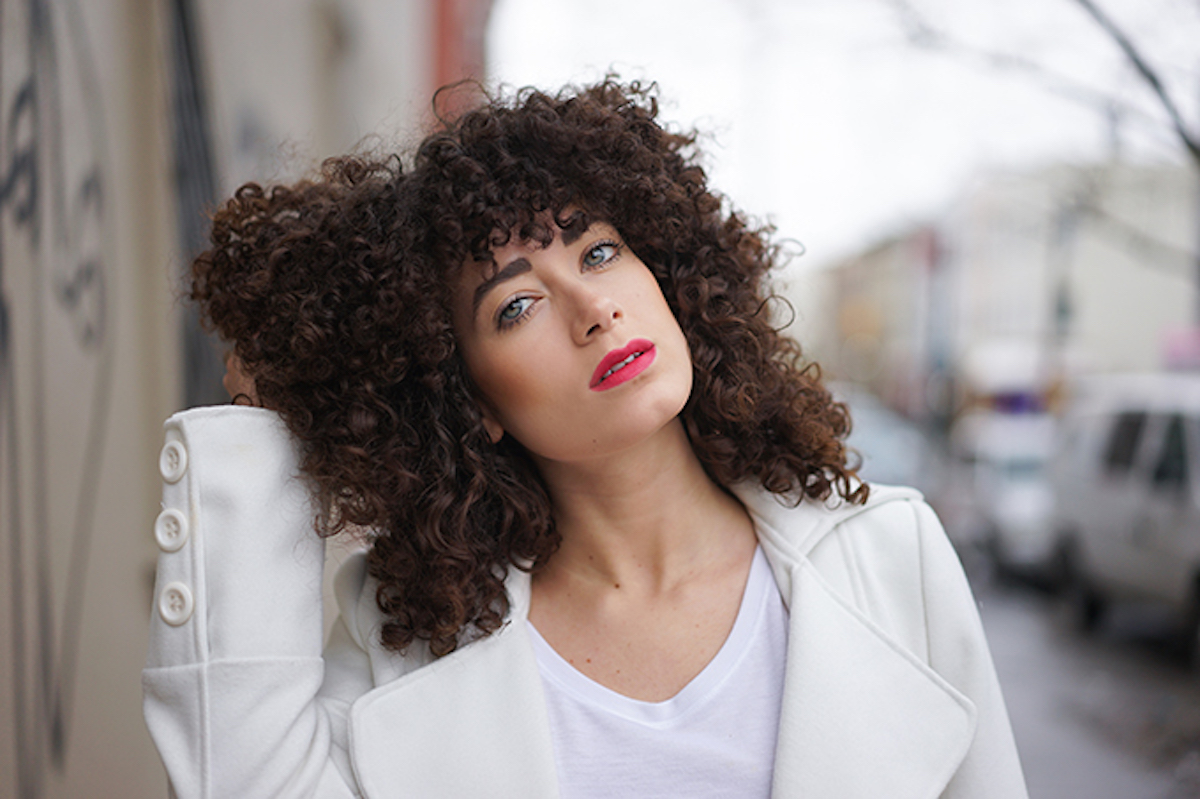 curly hairstyles for latinas