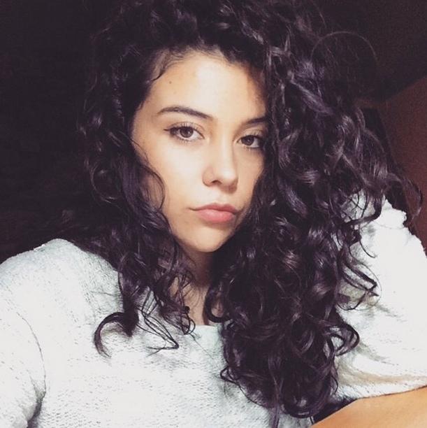 beauty of the week natural wavy hair claudia soto 1 curls understood