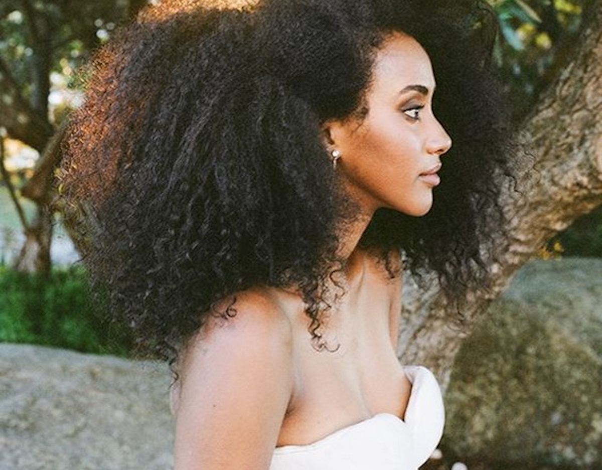 Curls-understood-the Big-afro-summer-wedding-hairstyles
